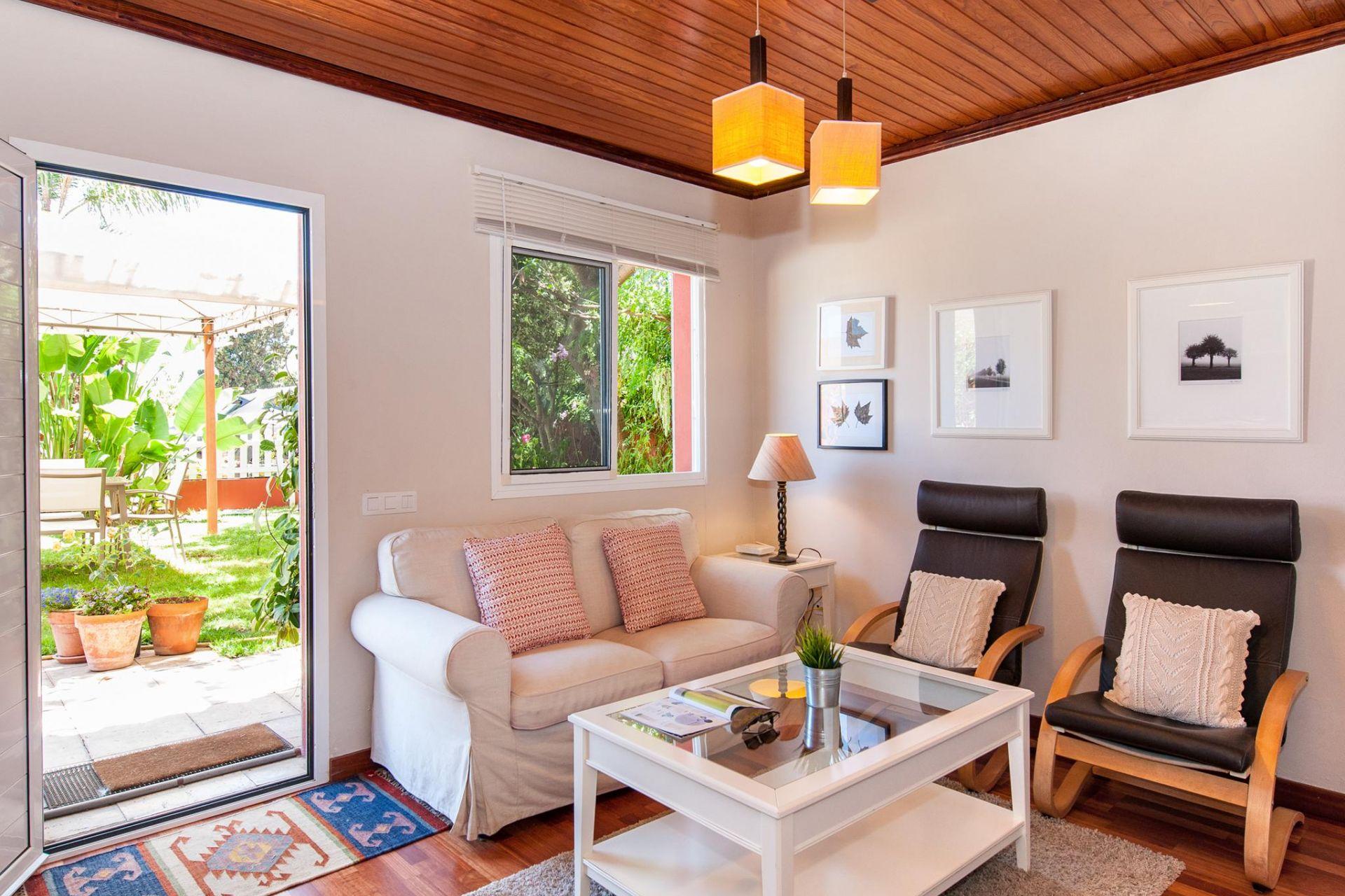 Acogedor apartamento en zona rural con piscina privada en for Apartamentos con piscina privada