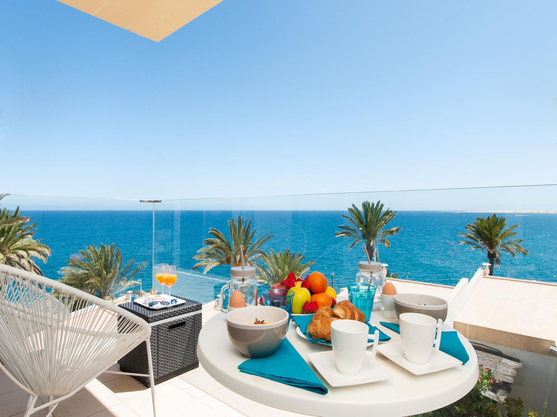 Las Flores apartment with sea views and terrace in San Agustin